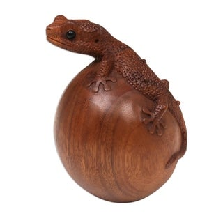 Wood Sculpture, 'Watching Gecko' (Indonesia)