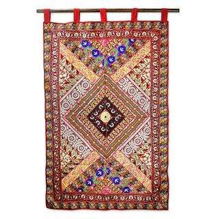Cotton Applique Wall Hanging, 'Diamond Glamour' (India)