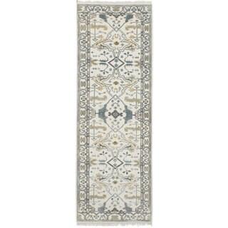 Ecarpetgallery Hand-Knotted Royal Ushak Ivory  Wool Rug (2'7 x 8'2)