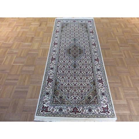 Hand Knotted Ivory Mahi Tabriz with Wool & Silk Oriental Rug - 2'7 x 6