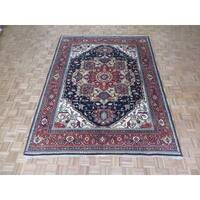 Hand Knotted Navy Blue Serapi Heriz with Wool Oriental Rug (7'9 x 10'2)