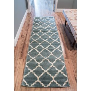Ellie Modern Bold Trellis Diamond Pattern Light Blue Runner Rug (2'7 x 9'10)