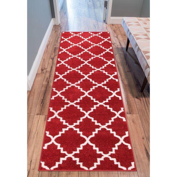 Ellie Modern Bold Trellis Diamond Pattern Burgundy Runner Rug (2'3 x 7'3)