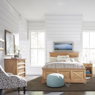 Country Lodge Queen Bed, Night Stand & Chest