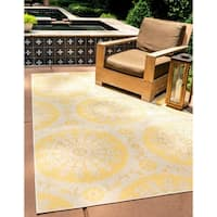 Unique Loom Medallion Outdoor Area Rug - 5' 3 x 8'