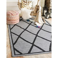 Unique Loom Diamonds Outdoor Area Rug - 7' x 10'