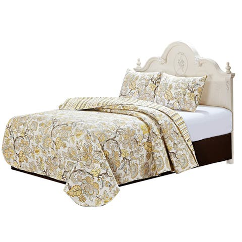 Gold Leaf Reversible Oversized Quilt Set
