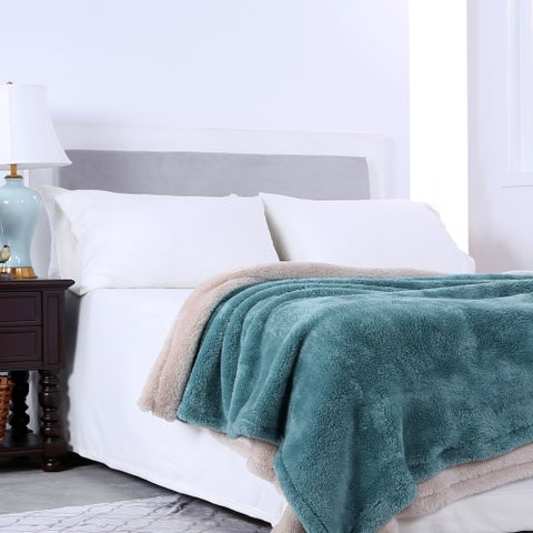 Berkshire Blanket Oversized Extra Fluffy Throw Gift Set (Set of 2)