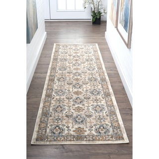 Fairfax Traditional Ivory Runner (2'3'' x 7'3'')