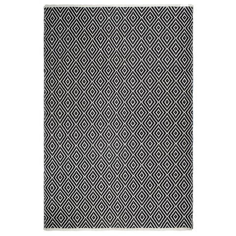 Handmade Veria Black and White Floor Rug - 4' x 6' (India)