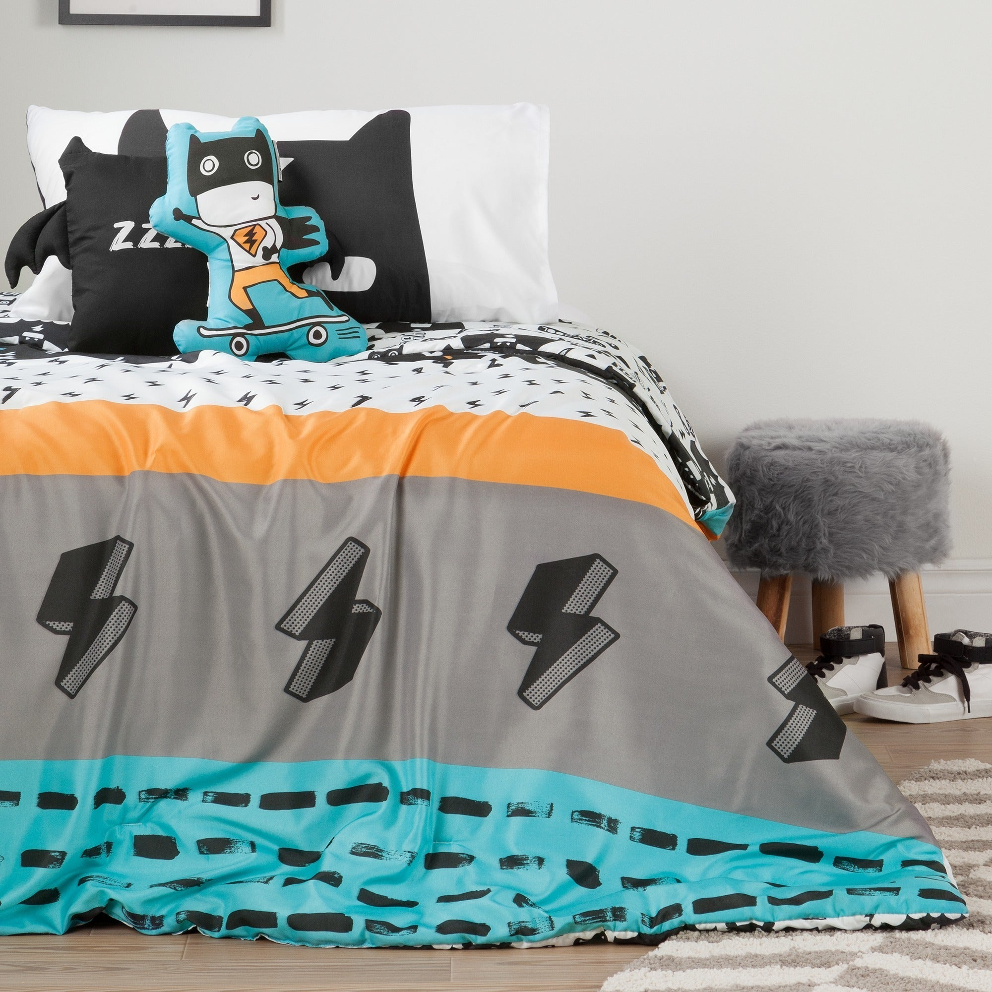 South Shore Dreamit Black Turquoise Superheroes Throw Pillows Set Of 2 Overstock 16372659