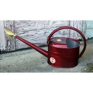 English Garden Haws Slimcan 1.3-gallon Galvanized Metal Watering Can