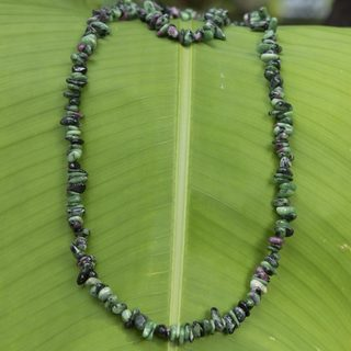 Handcrafted Zoisite 'Amazon Forests' Necklace (Brazil)