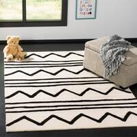 Safavieh Kids Transitional Geometric Hand-Tufted Wool Ivory/ Black Area Rug - 4' x 6'