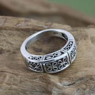 Handcrafted Sterling Silver 'Night Blooming Jasmine' Ring (Indonesia)