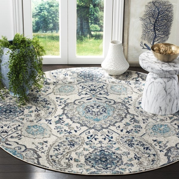 Safavieh Madison Belle Paisley Boho Glam Cream/ Light Grey Rug - 5' x 5' Round