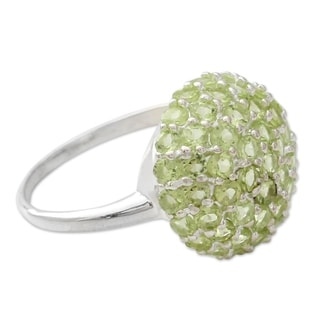 Handcrafted Sterling Silver 'Viburnum' Peridot Ring (India)