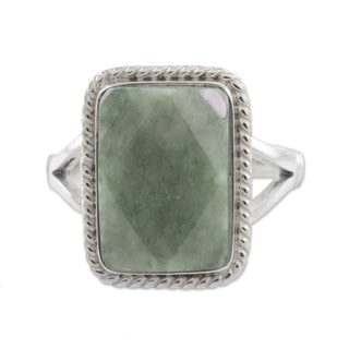 Handmade Green Nuances Jade Sterling Silver Ring (Guatemala)