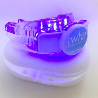 Expert Whitening Teeth Whitening Tray with Attached Accelerator Light