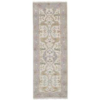 eCarpetGallery Hand-knotted Royal Ushak Ivory Wool Rug - 2'8 x 7'11
