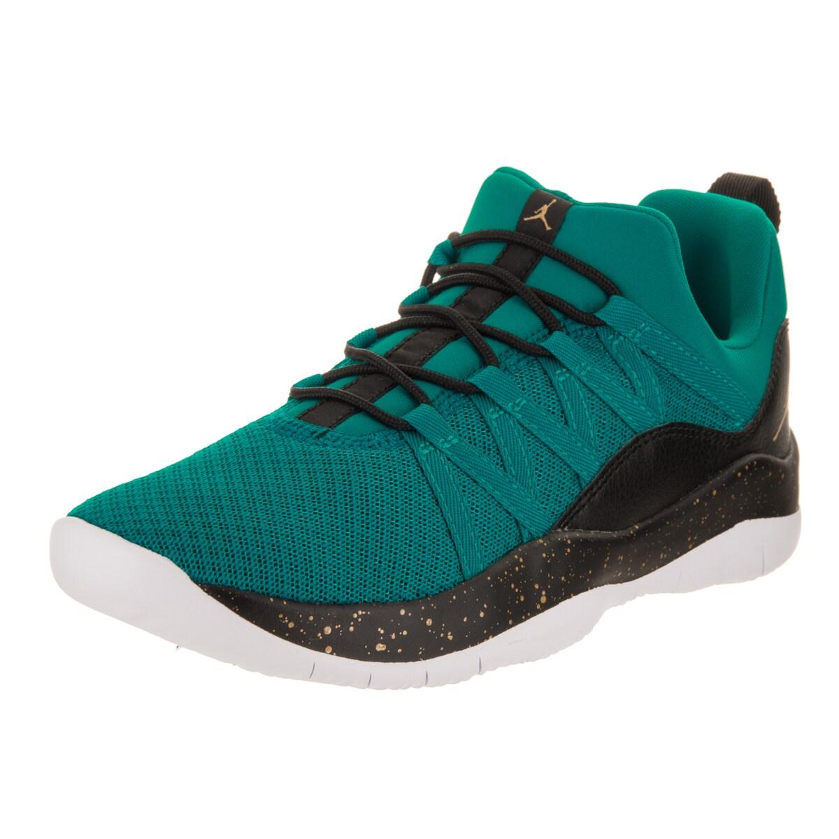 Nike Jordan Kids Jordan Deca Fly GG Casual Shoe (6), Boy'...