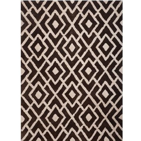 Greyson Living Dalby White/Black Area Rug - 5' x 8'