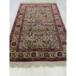 Traditional Geometric Baluchi Ivory Wool Hand-knotted Rug (3'6x5'8)