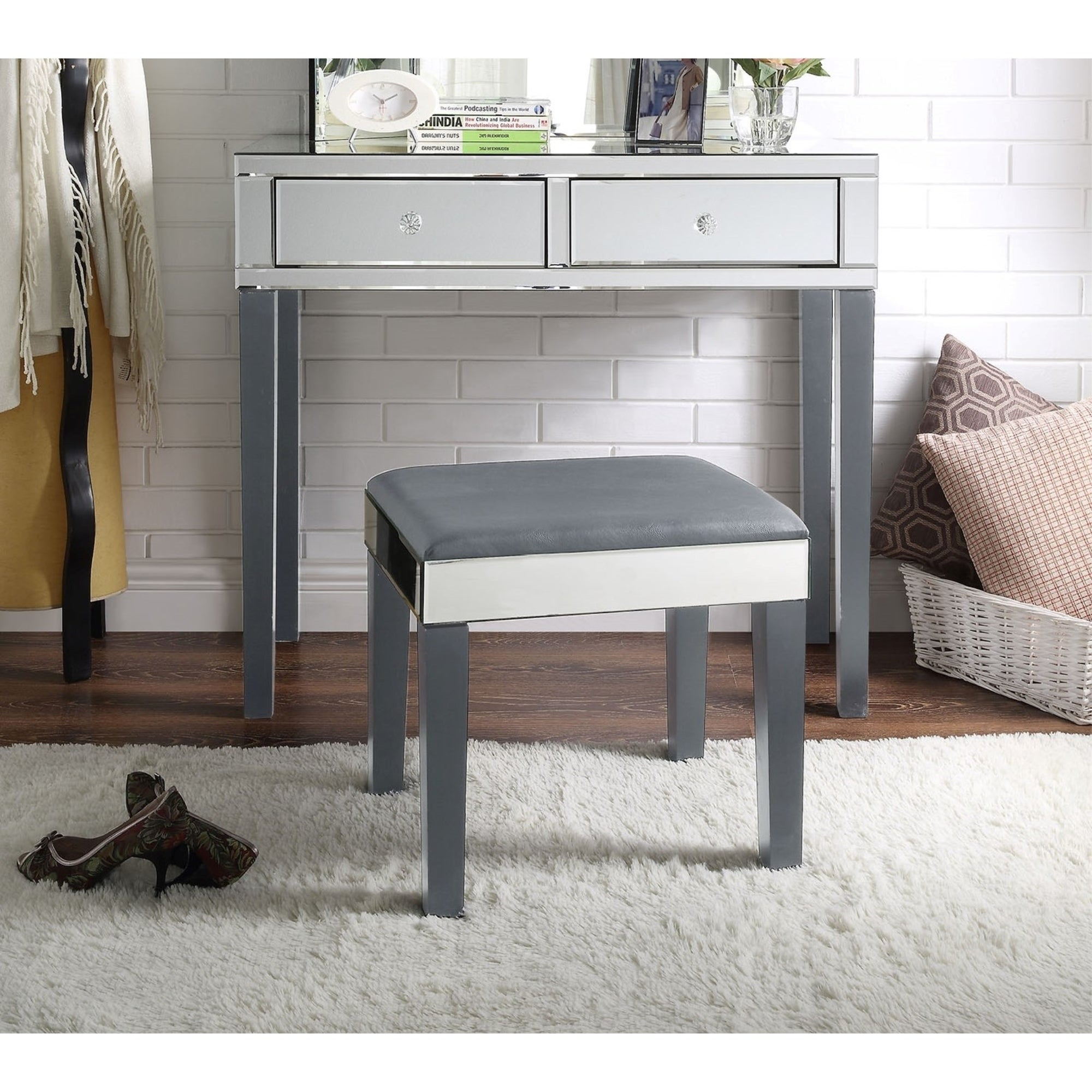 Portia Mirrored 2 Drawer Vanity Corner Table And Stool Set N A