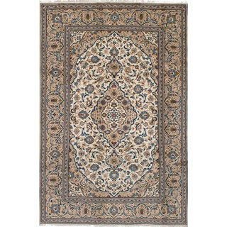 eCarpetGallery Hand-knotted Kashan Ivory Wool Rug (6'7 x 10'2)