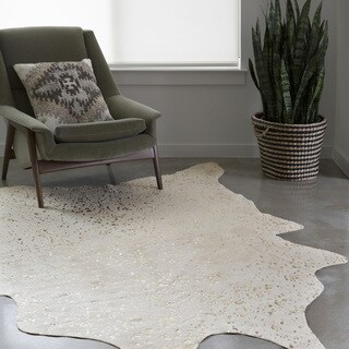 Clayton Ivory/ Champagne Faux Cowhide Rug - 3'10 x 5'5