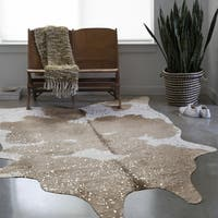 Clayton Taupe/ Ivory Faux Cowhide Rug (3'10 x 5') - 3'10 x 5'5