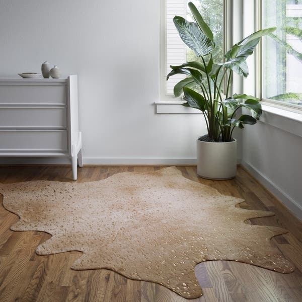 Contemporary Tan Gold Faux Cowhide Rug With Metallic