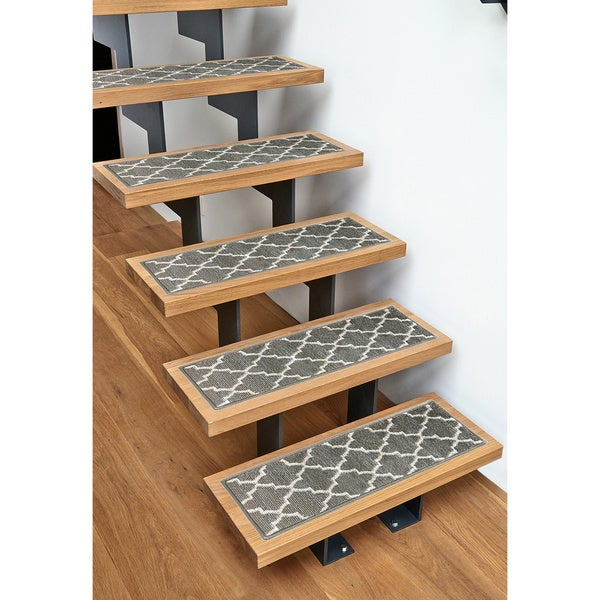 Trellisville 28-inch by 9-inch Geometric Stair Treads - Set of 13