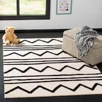 Safavieh Kids Transitional Geometric Hand-Tufted Wool Ivory/ Black Area Rug - 6' x 9'
