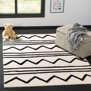 Safavieh Kids Transitional Geometric Hand-Tufted Wool Ivory/ Black Area Rug - 3' x 5'