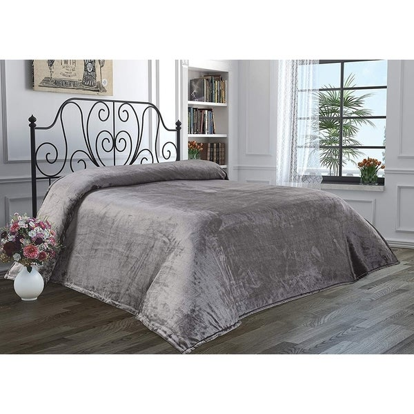 Luxury Home Hotel Super Soft Flannel Blanket. Opens flyout.