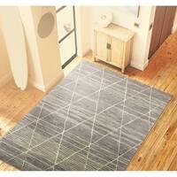Lola Taupe Wool/Viscose Hand-tufted Geometric Area Rug - 3'9 x 5'9