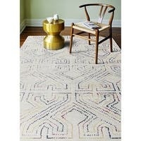 Kingswood Ivory/Blue Wool Hand-tufted Area Rug (5' x 7'6)