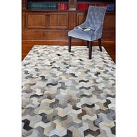 Carter Grey Hand-woven Cowhide Geometric Area Rug - 5' x 8'