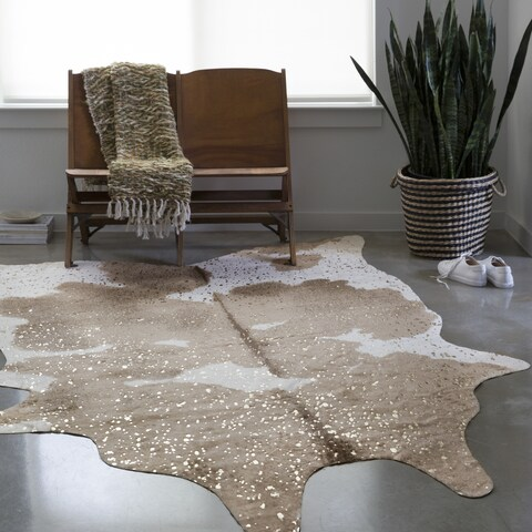 Alexander Home Clayton Taupe/Champagne Faux-cowhide Rug - 5' x 6'6