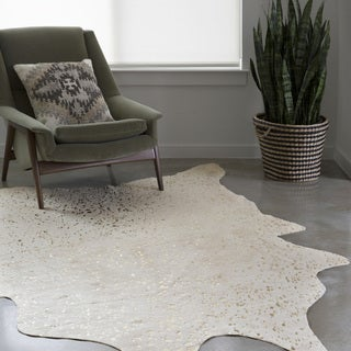 Clayton Ivory/ Champagne Faux Cowhide Rug (5' x 6'6)