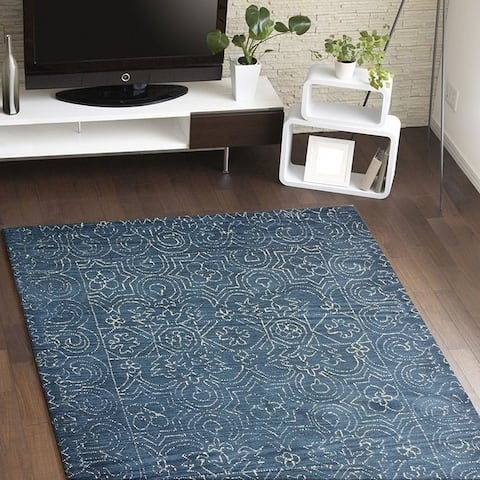Fenwich Blue Cotton Floral Area Rug - 5' x 7'6""