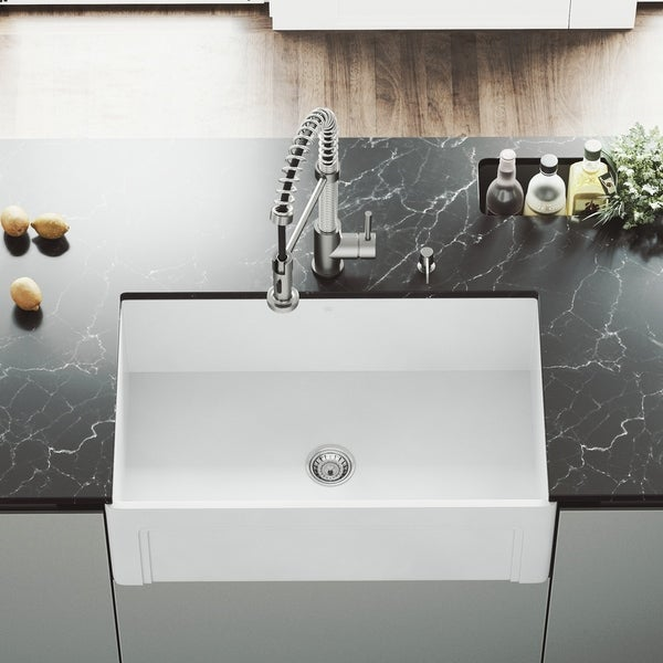 VIGO White 30-inch Casement Front Matte Stone Farmhouse Kitchen Sink