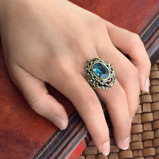Sweet Romance Vintage London Blue Stone Ring