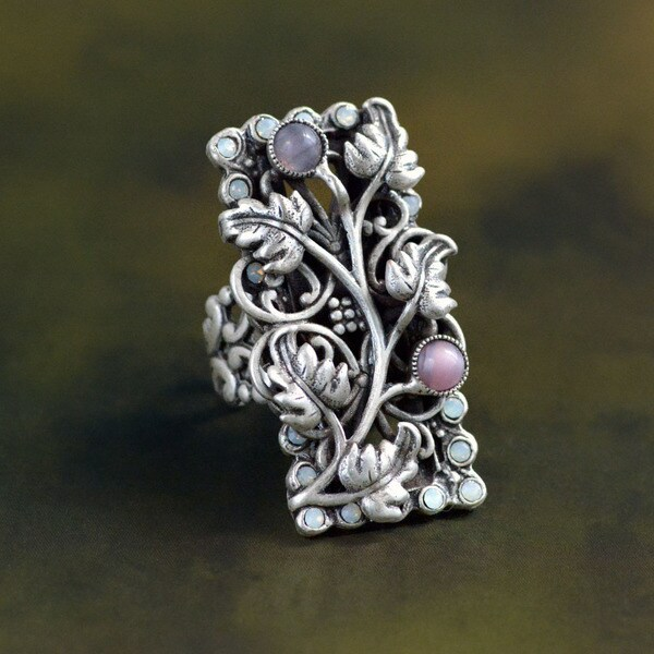 Sweet Romance Vintage Secret Garden Rectangular Ring