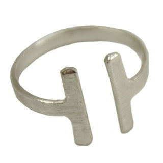 Handcrafted Perpendicular Ring in Silvertone (India)