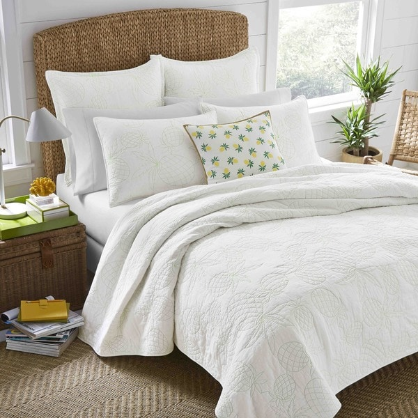 Nine Palms White Antigua Quilt Set
