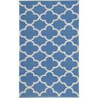 Safavieh Montauk HandWoven Cotton Transitional Geometric Blue/ Ivory Area Rug - 2'6 x 4'