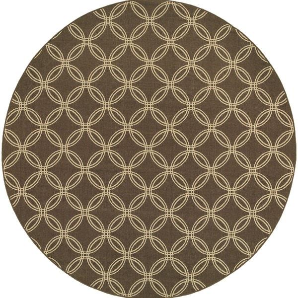 Style Haven Interlocking Circles Brown Indoor/ Outdoor Area Rug (7'10) - 7'10