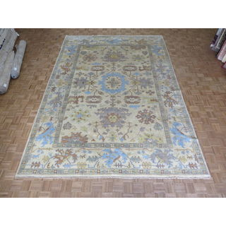 Hand-knotted Oushak Ivory Wool Oriental Rug (9'11 x 14'1)